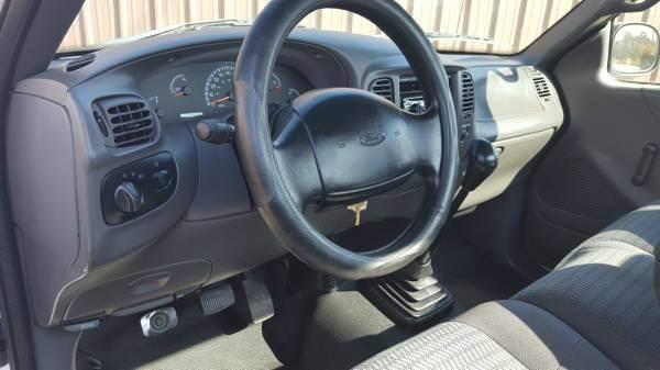 2002 Ford F-150 2dr Regular Cab XL 2WD Flareside SB In