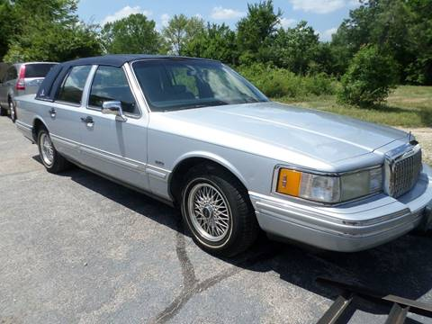 1993 Lincoln Town Car for sale at Credit Cars of NWA in Bentonville AR