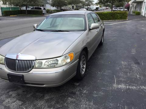 2001 Lincoln Town Car for sale at South Florida Luxury Auto in Pompano Beach FL