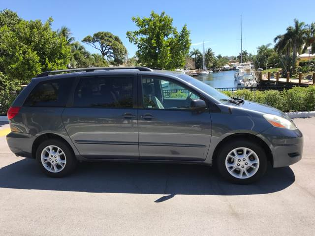2006 Toyota Sienna for sale at South Florida Luxury Auto in Pompano Beach FL