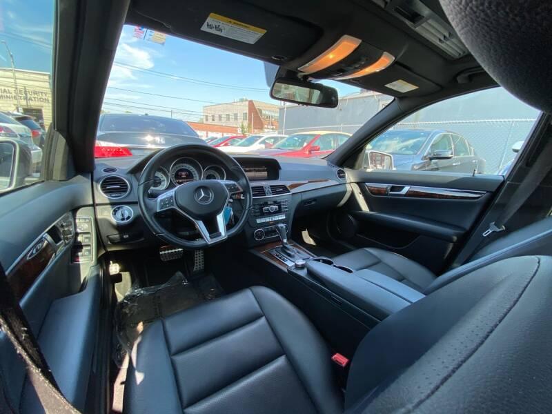2013 Mercedes-Benz C-Class AWD C 300 Luxury 4MATIC 4dr Sedan - Freeport NY