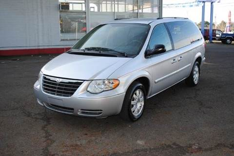 2005 Chrysler Town and Country for sale at Xtreme Truck Sales in Woodburn OR
