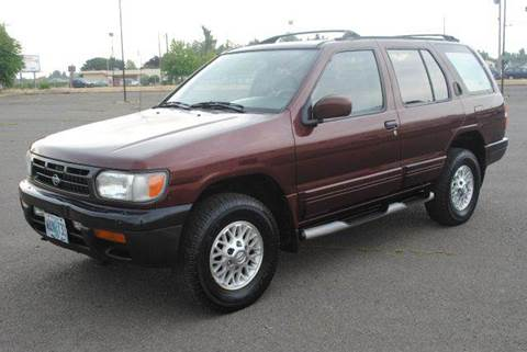 1996 Nissan Pathfinder for sale at Xtreme Truck Sales in Woodburn OR