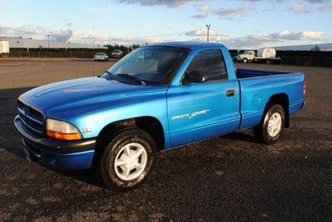 1998 Dodge Dakota for sale at Xtreme Truck Sales in Woodburn OR