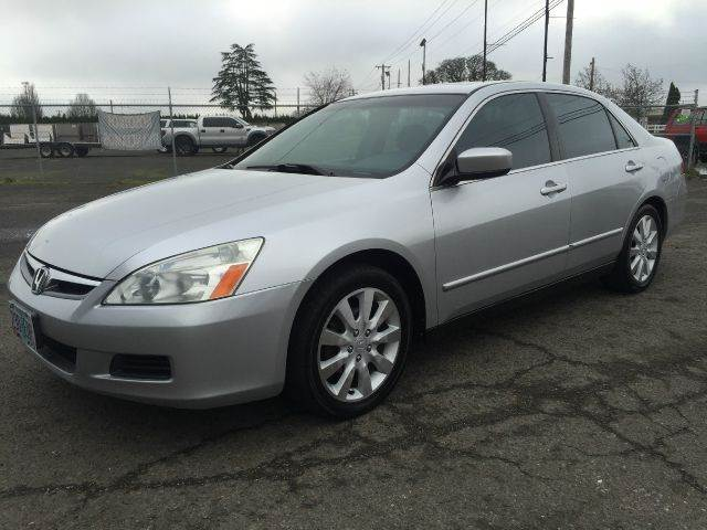 2006 Honda Accord for sale at Xtreme Truck Sales in Woodburn OR