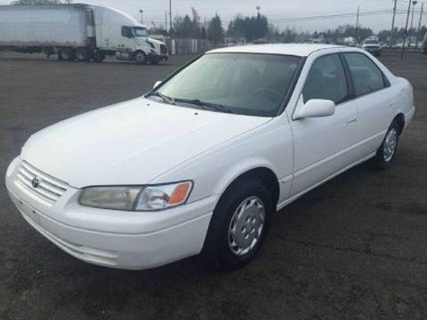 1998 Toyota Camry for sale at Xtreme Truck Sales in Woodburn OR