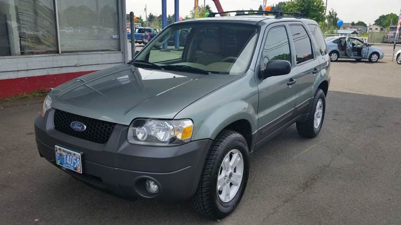 2005 Ford Escape for sale at Xtreme Truck Sales in Woodburn OR