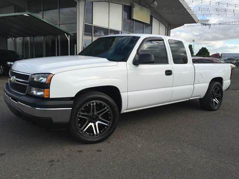 2007 Chevrolet Silverado 1500 Classic for sale at Xtreme Truck Sales in Woodburn OR