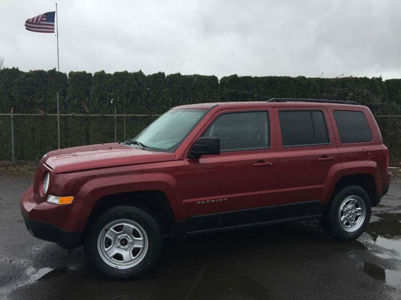 2013 Jeep Patriot for sale at Xtreme Truck Sales in Woodburn OR