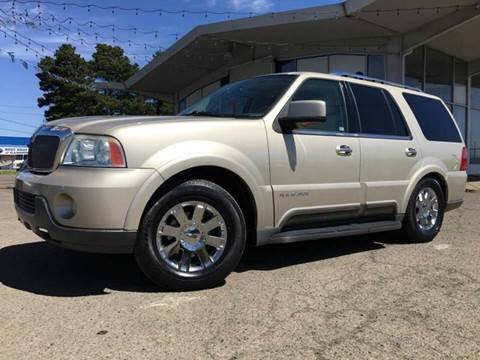 2004 Lincoln Navigator for sale at Xtreme Truck Sales in Woodburn OR
