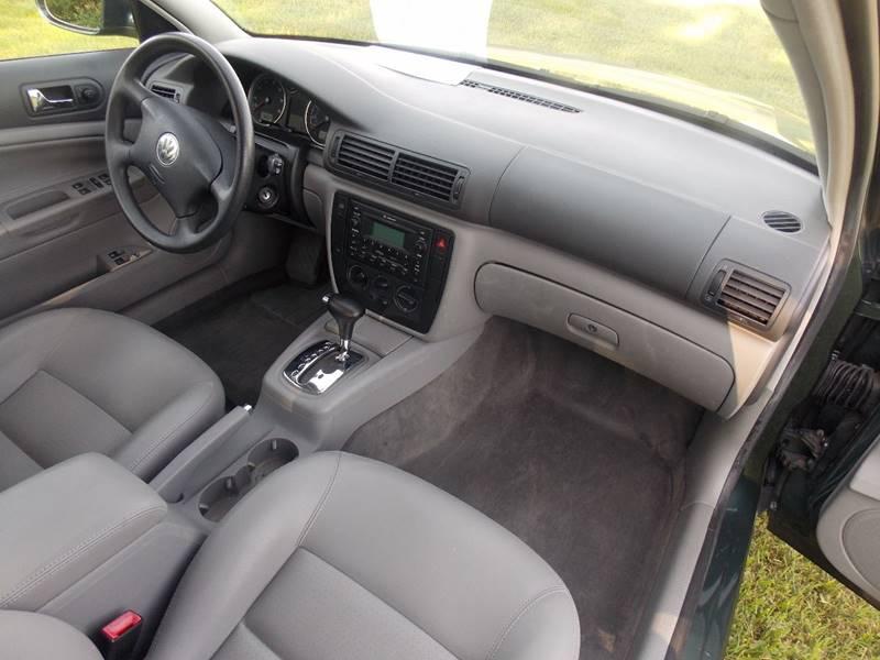 2005 Volkswagen Passat for sale at Essen Motor Company, Inc. in Lebanon TN