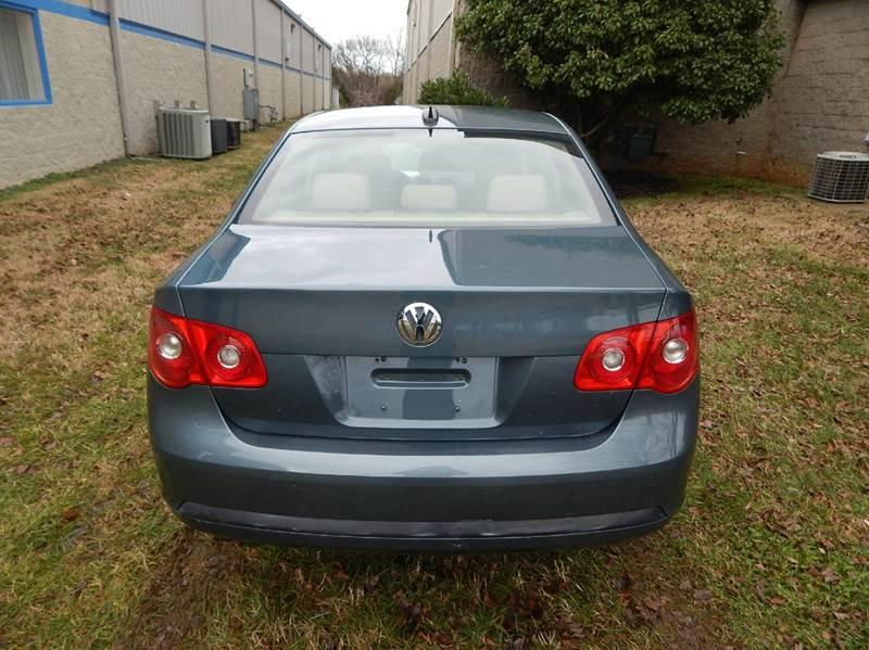 2006 Volkswagen Jetta for sale at Essen Motor Company, Inc. in Lebanon TN