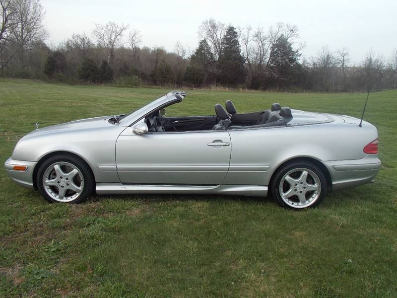 2002 Mercedes-Benz CLK for sale at Essen Motor Company, Inc. in Lebanon TN