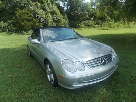 2004 Mercedes-Benz CLK for sale at Essen Motor Company, Inc. in Lebanon TN