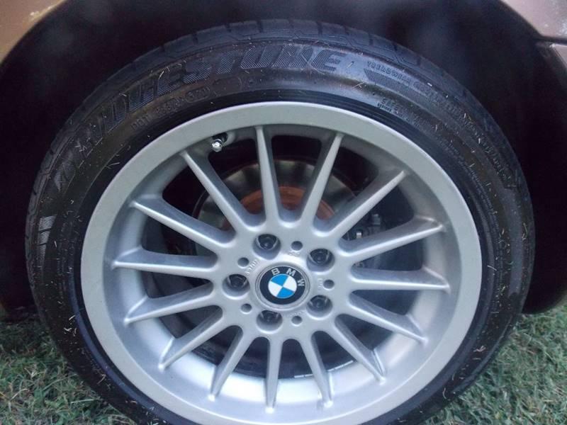 2001 BMW Z3 for sale at Essen Motor Company, Inc. in Lebanon TN