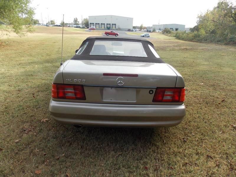 2001 Mercedes-Benz SL-Class for sale at Essen Motor Company, Inc. in Lebanon TN
