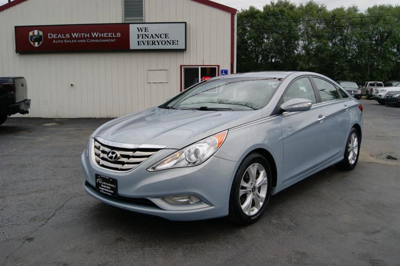 2011 Hyundai Sonata for sale at Dealswithwheels in Inner Grove Heights MN