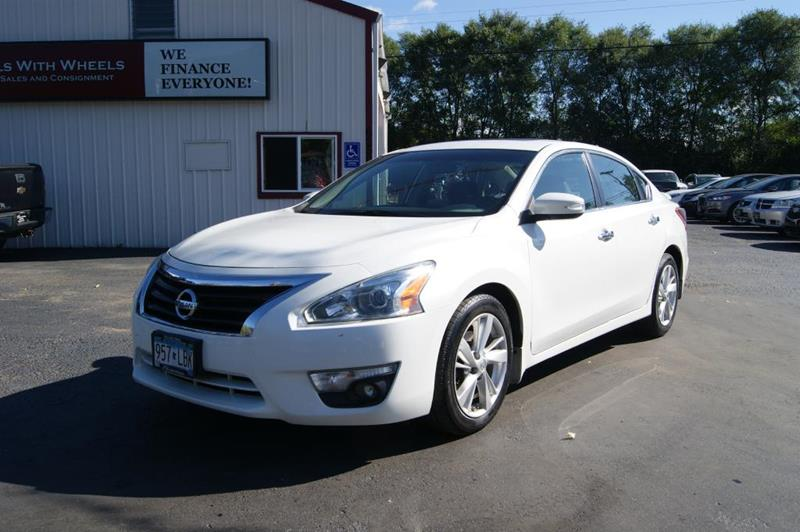 2013 Nissan Altima for sale at Dealswithwheels in Inver Grove Heights MN