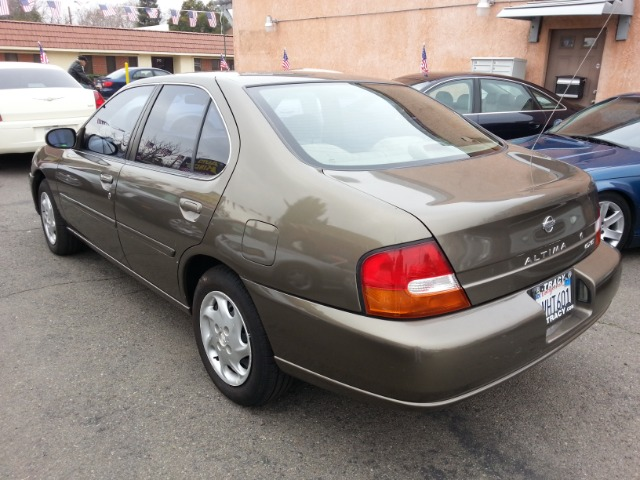 1998 nissan altima gxe reviews