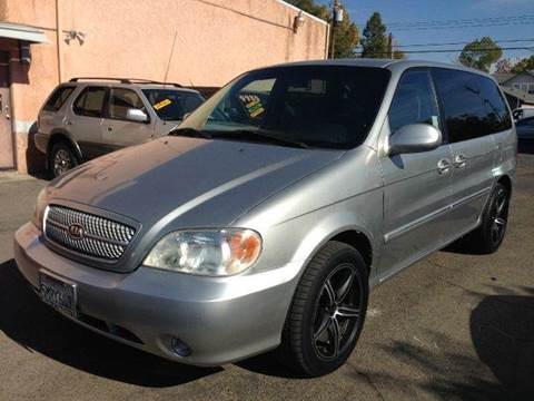 2005 Kia Sedona for sale at Auto King in Roseville CA