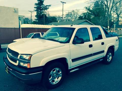 2005 Chevrolet Avalanche for sale at Auto King in Roseville CA