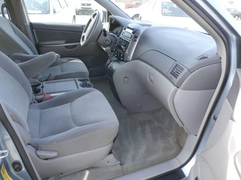 2006 Toyota Sienna AWD LE 7-Passenger 4dr Mini-Van - Oak Creek WI
