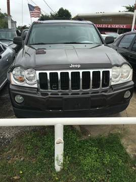 2005 Jeep Grand Cherokee for sale at North Loop West Auto Sales in Houston TX