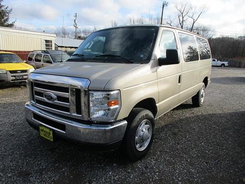 2009 Ford E-Series Wagon for sale in New Philadelphia, OH