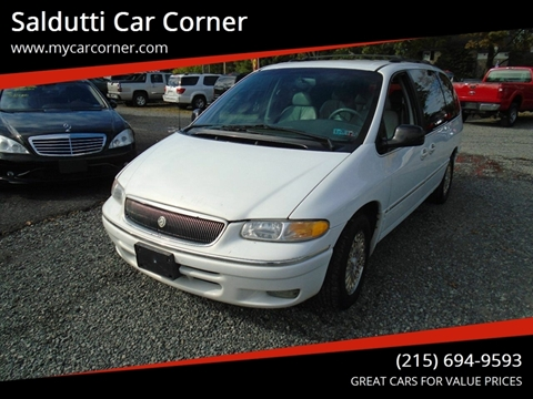 1996 Chrysler Town and Country for sale in Gilbertsville, PA
