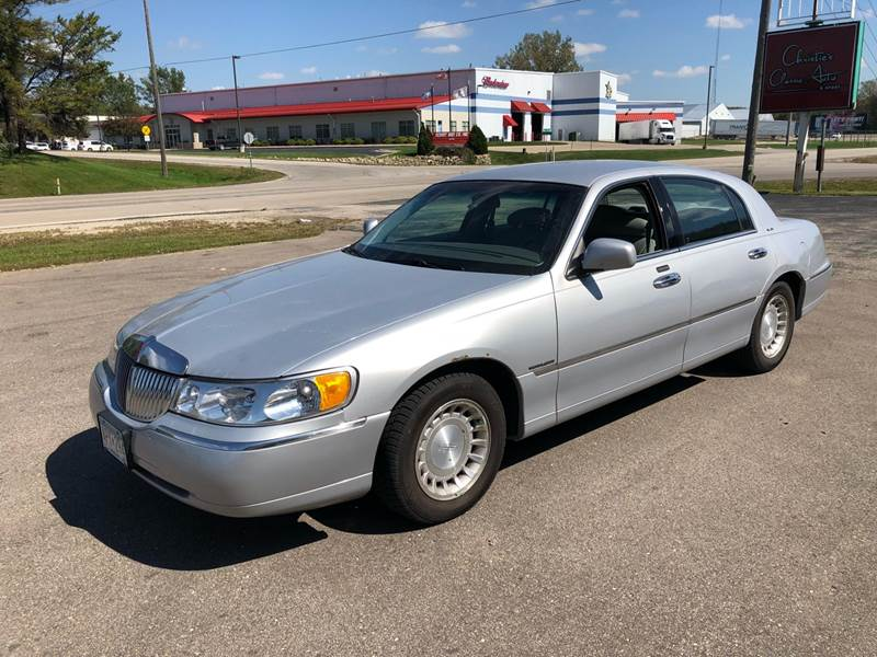 2000 Lincoln Town Car Executive L In Rochester Mn Midway Auto Sales