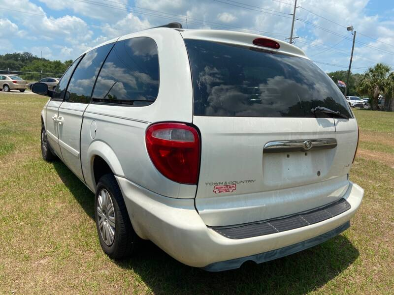 2005 Chrysler Town and Country LX 4dr Extended Mini-Van - Mulberry FL