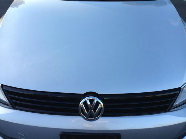 2012 Volkswagen Jetta for sale at JD MOTORS in Tujunga CA