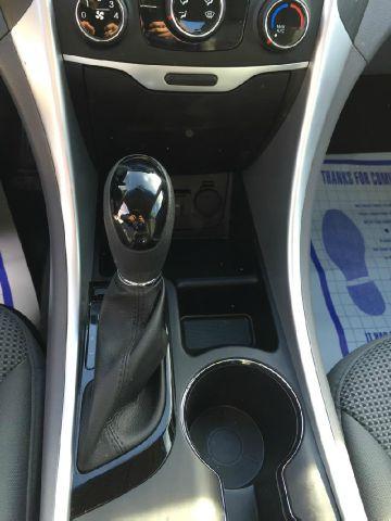 2014 Hyundai Sonata for sale at JD MOTORS in Tujunga CA
