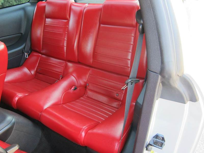 2005 Ford Mustang for sale at JD MOTORS in Tujunga CA