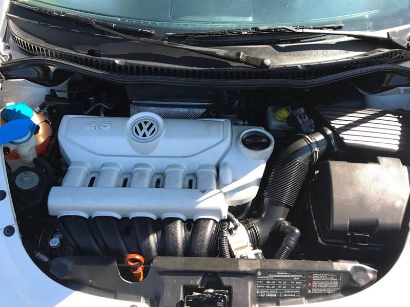 2010 Volkswagen New Beetle for sale at JD MOTORS in Tujunga CA