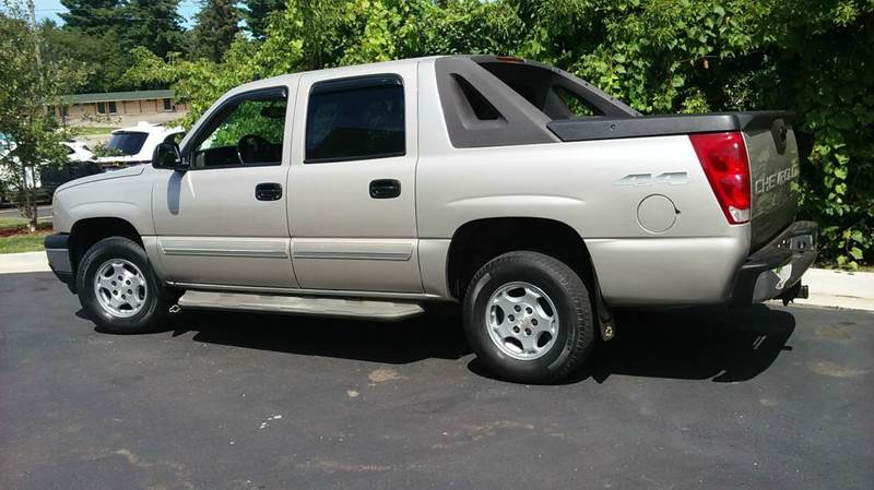 2006 Chevrolet Avalanche LS 1500 4dr Crew Cab 4WD SB - Lapeer MI