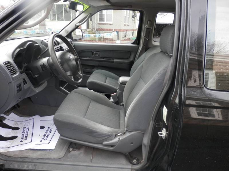 2004 Nissan Frontier 2dr King Cab XE Rwd SB - Bluffton IN