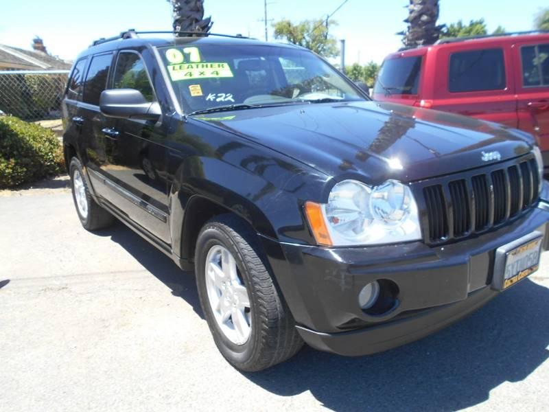2007 JEEP GRAND CHEROKEE LAREDO 4DR SUV 4WD black front air conditioning front air conditioning