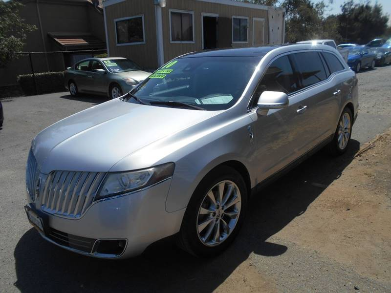 2010 LINCOLN MKT ECOBOOST AWD 4DR CROSSOVER silver exhaust - dual tip door handle color - body-c