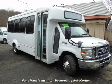 2010 Ford E-Series Chassis E-450 SD for sale at Vans Vans Vans INC in Blauvelt NY