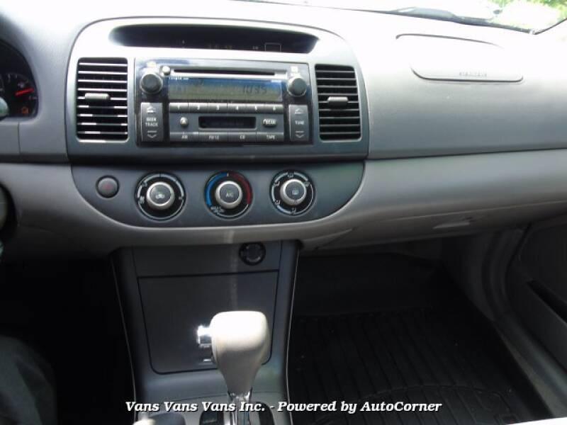 2005 Toyota Camry LE 5 Passenger Sedan With Many Options - Blauvelt NY