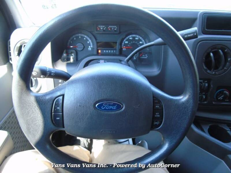 2014 Ford E-Series Wagon XLT Super Duty Extended 15 Passenger Wagon - Blauvelt NY