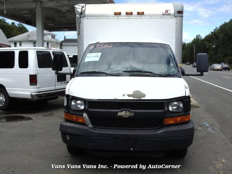 2009 Chevrolet Express Cutaway 3500 2dr Commercial/Cutaway/Chassis 139-177 in. WB - Blauvelt NY
