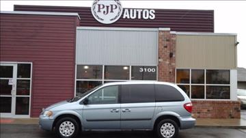2006 Chrysler Town and Country for sale in Springfield, IL