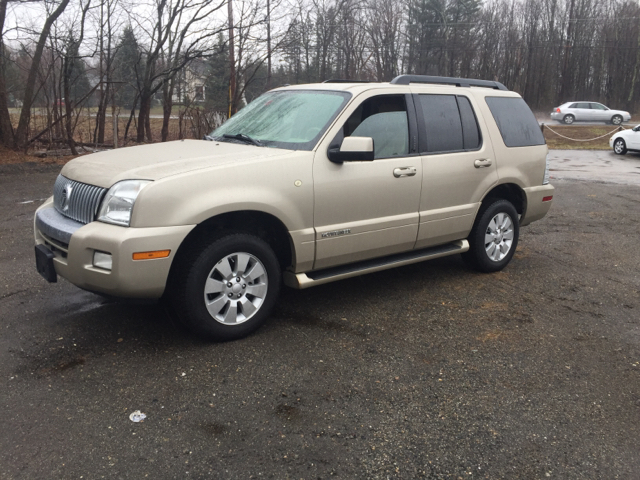 2007 Mercury Mountaineer for sale at Cars R Us Of Kingston in Kingston NH