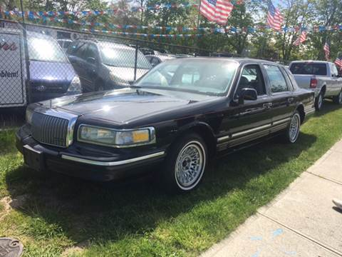 1995 Lincoln Town Car for sale in Patchogue, NY
