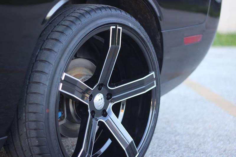 2013 Dodge Challenger SXT Plus 2dr Coupe - Indianapolis IN