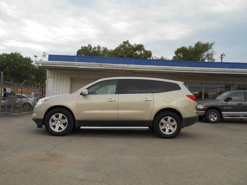 2011 Chevrolet Traverse AWD LT 4dr SUV w/2LT - Wichita KS