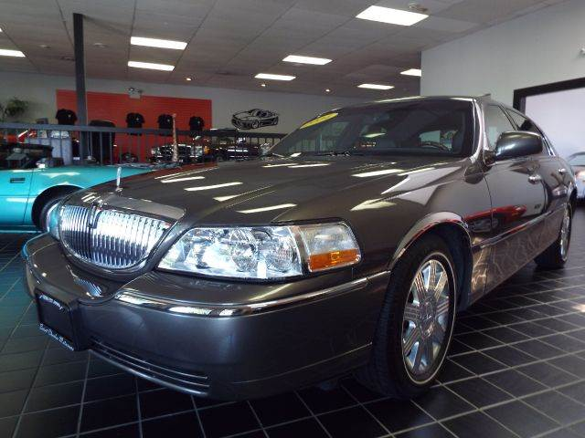 2004 Lincoln Town Car Ultimate 4dr Sedan In Saint Charles Il Saint