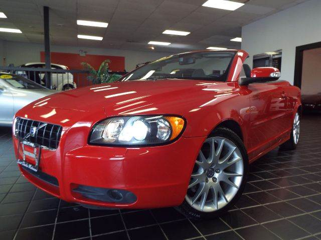 2008 Volvo C70 for sale at SAINT CHARLES MOTORCARS in Saint Charles IL
